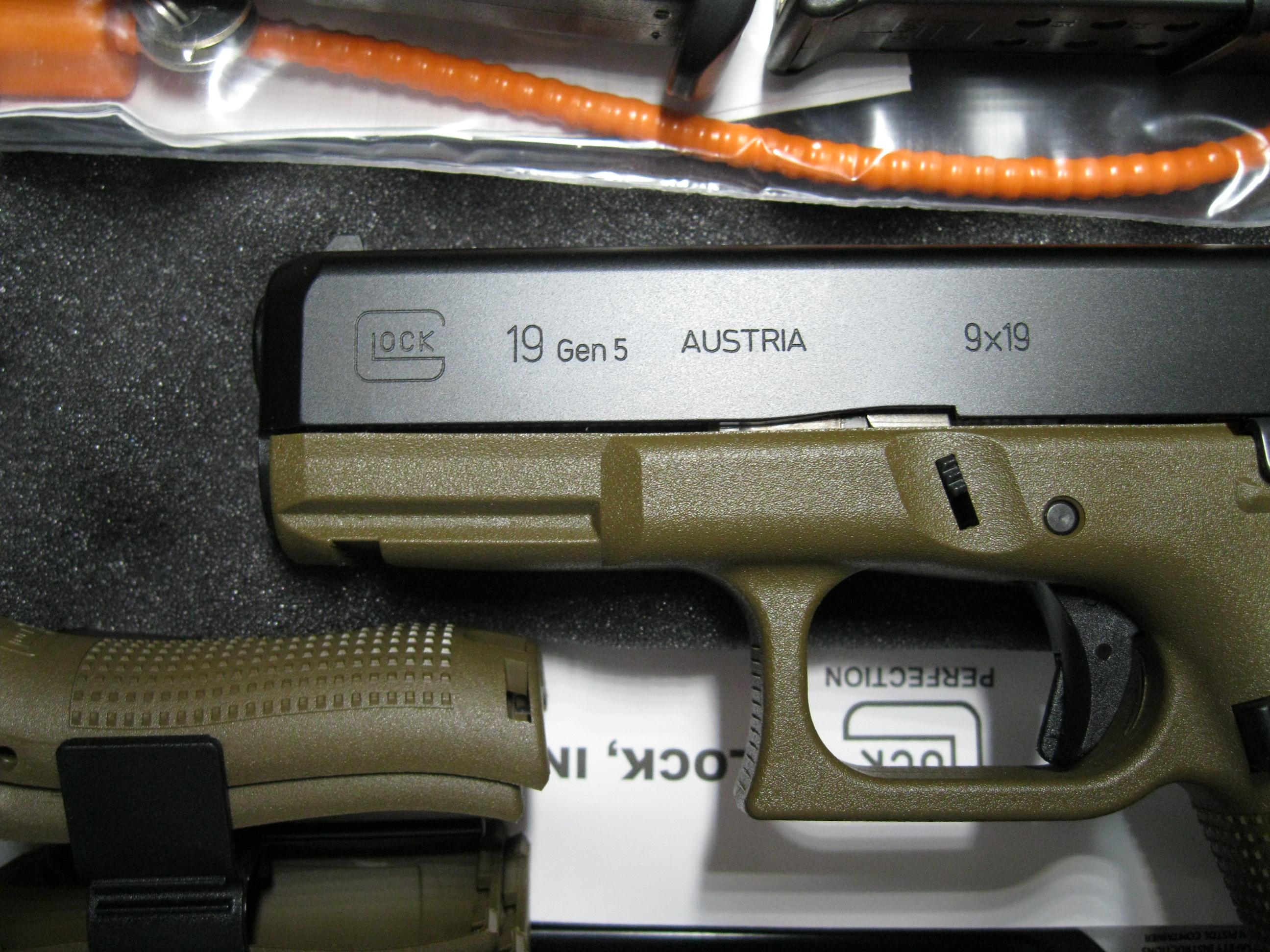 Glock 19 gen5 FDE 4″ 9mm 3mags PA1950203DE NEW – Ellis County