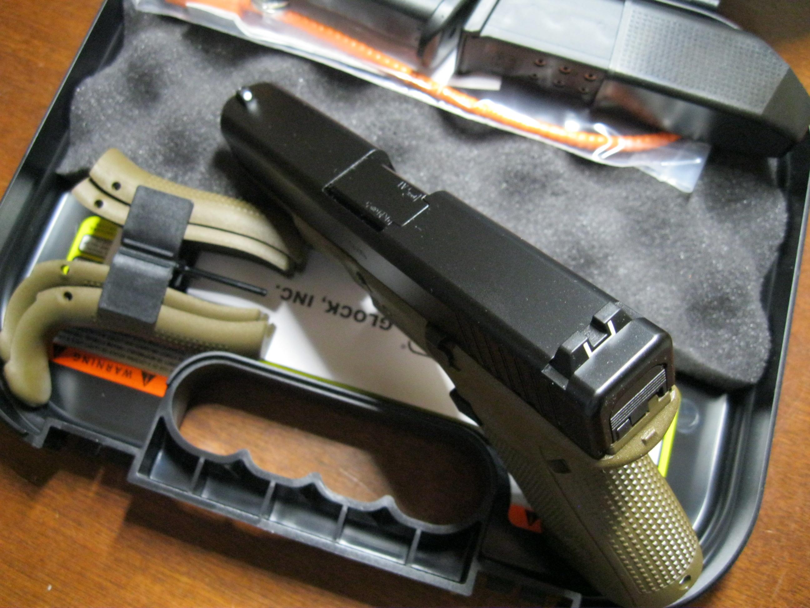 Glock 19 gen5 FDE 4″ 9mm 3mags PA1950203DE NEW – Ellis