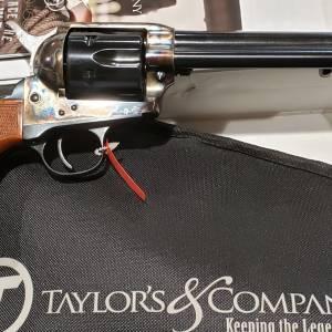 "Taylors/Uberti 1873 Gunfighter 5.5"" Army Walnut 555139 45lc"