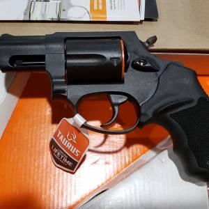 """Taurus 605 Black 2"""" 357mag 2-605021"""